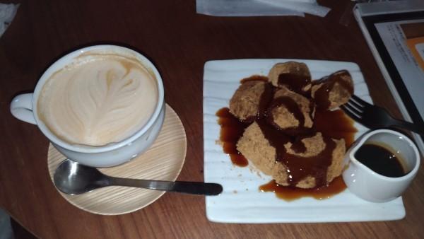 コーヒーとワラビ餅