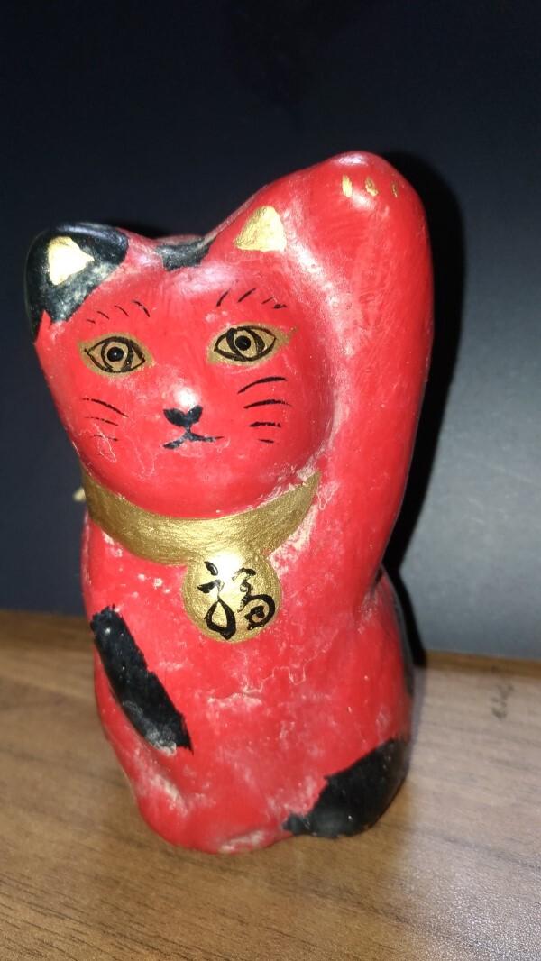 赤い招き猫